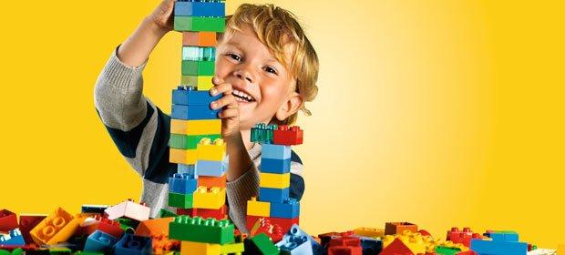 Jucarii LEGO pentru fete si baieti cu pret redus